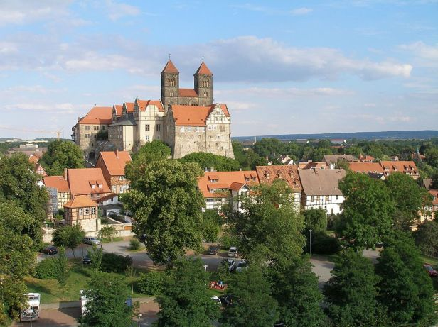 1024px-06484_quedlinburg2c_germany_-_panoramio_28729