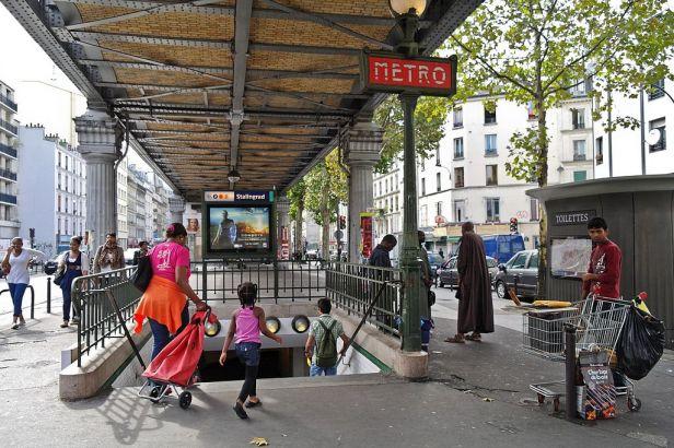 1024px-stalingrad_metro_station2c_paris_2014