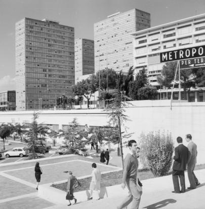 Paolo_Monti_-_Roma_Eur_1967_stazione_Fermi